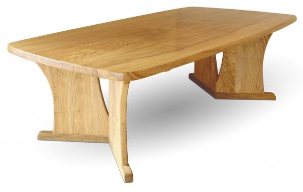 Tisch aus Olivesche